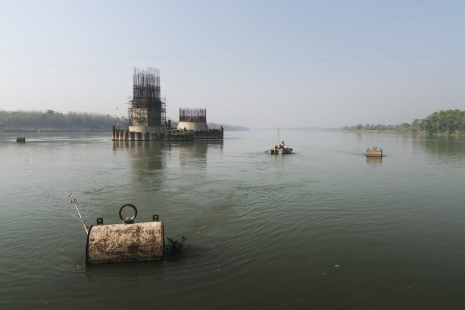 Alex Bellini - Navigazione su Hooghly - 10 Rivers 1 Ocean